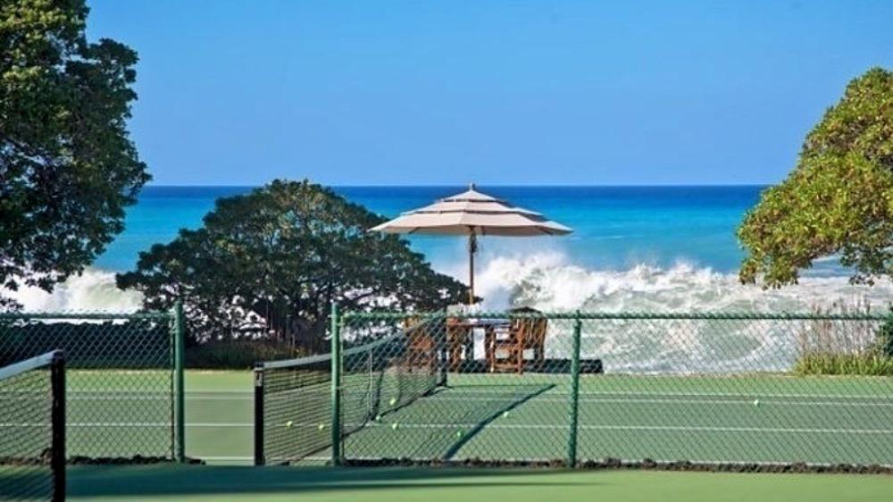 Hawaii Tennis Court